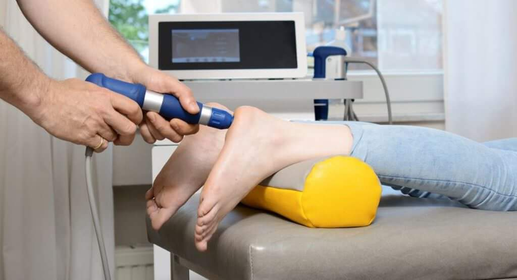 Dr. Carsten Wingenfeld ist Orthopäde für den Bereich Schulter in ...
